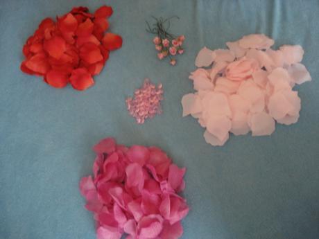 Růžová a červená svatební výzdoba,