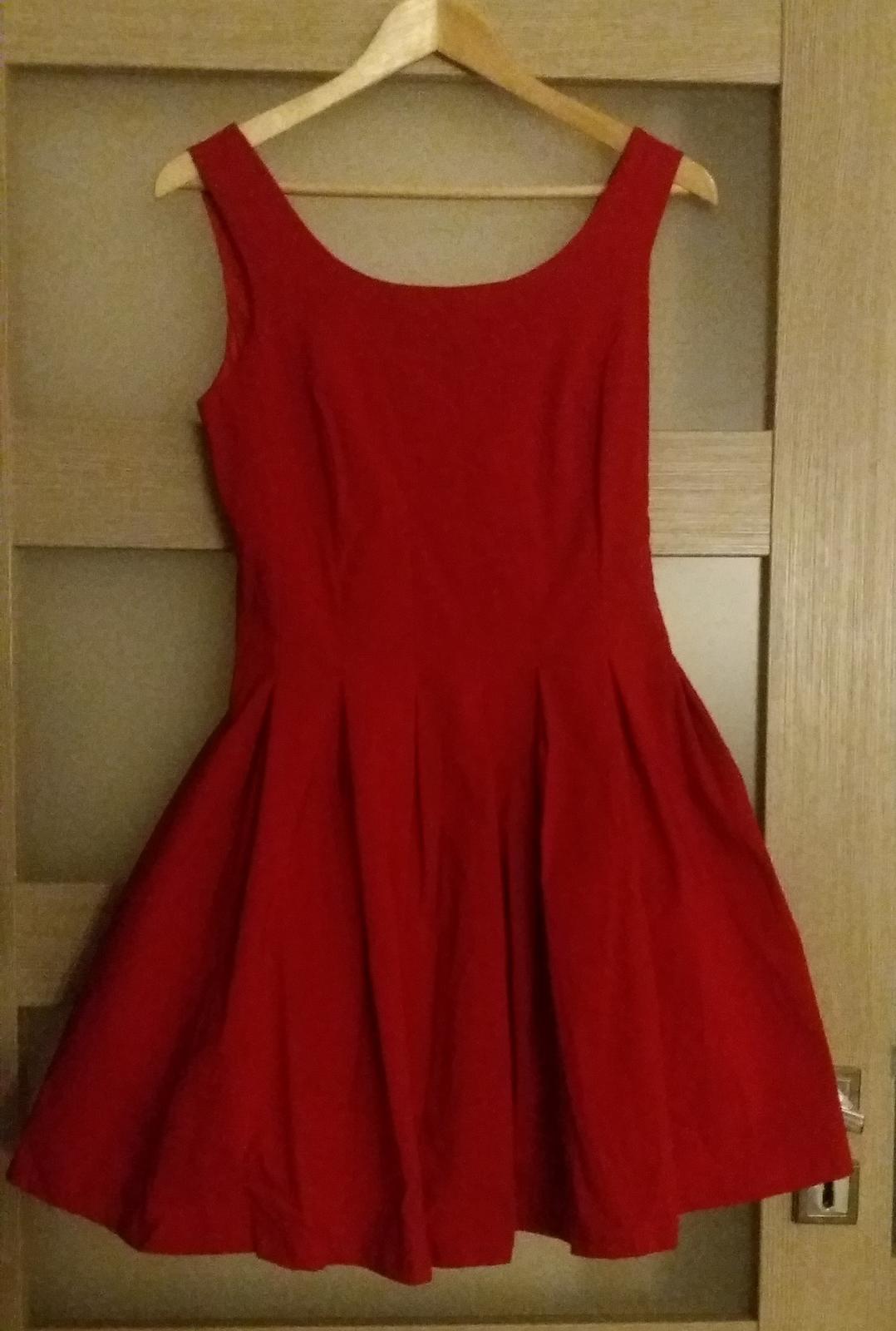 Krátke červené šaty veľ. m d9137a65082