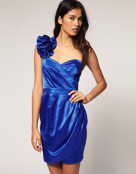 Šaty pre druzicky, 36