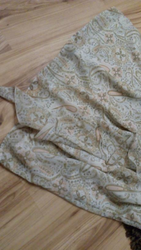Trendy pastelové šaty , 42