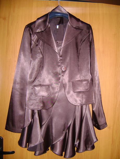 sukňový kostým, 34