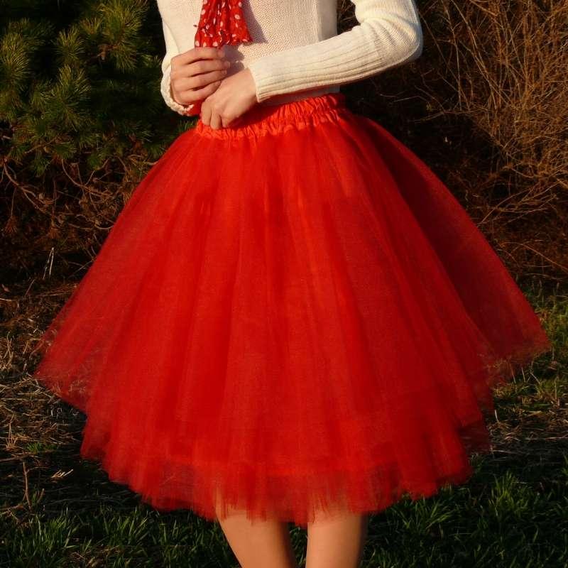 Červená tylová sukně  b4d7e3ed64