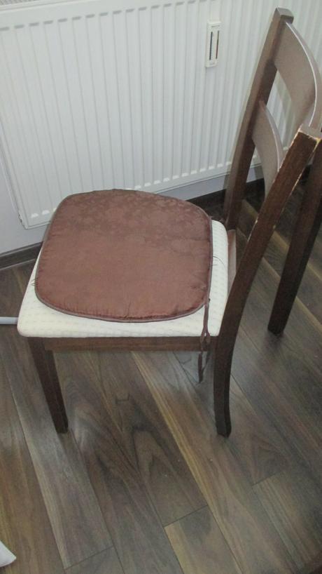 4 x stolička - 2 ročné kupované v obchode ,