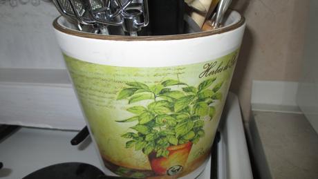 nadoba z keramiky motív provance bylinky ,