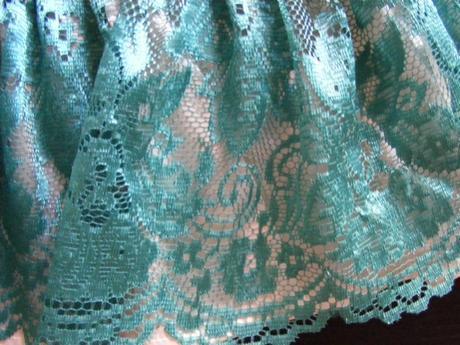bledozelená sukienka+doplnky, 116