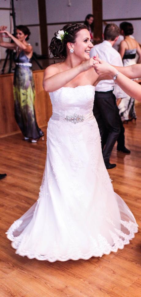Krajkove svadobné šaty, 40