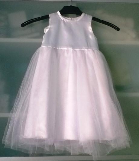 Šaty pro malou družičku, 80