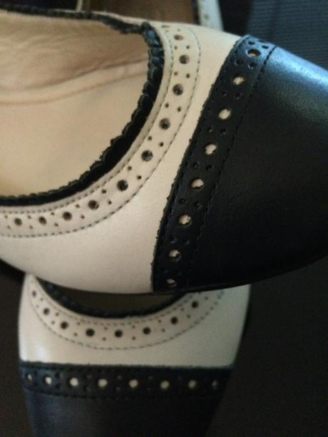 Dámske balerínky krémovo čierne, 37