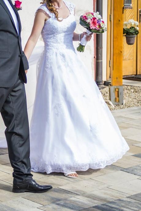 svadobne šaty , 37