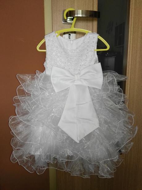 Spoločenské šaty, 68