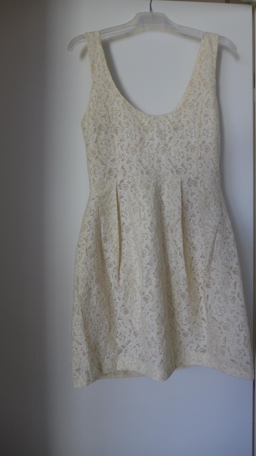 e4cce26e6b1 Popůlnoční nebo letní šaty