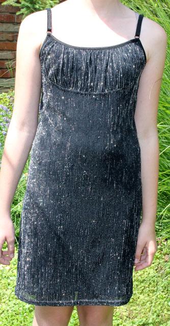 černostříbrné šaty, 40