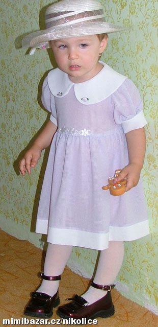 fialkové šaty, 92