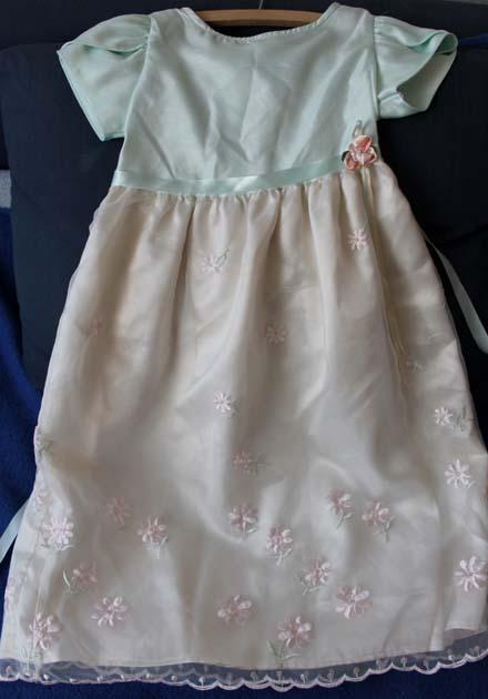zeleno-smetanové šaty, 122