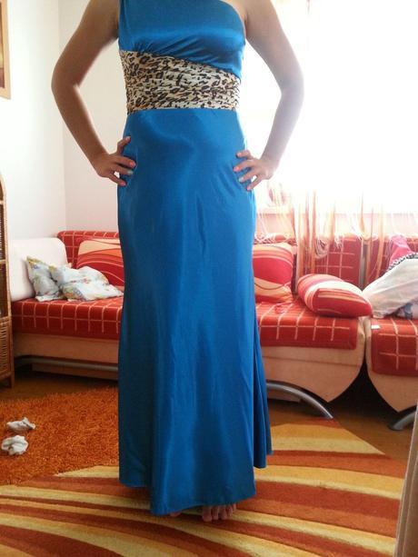 tyrkysovomodré šaty, 40