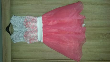 lososové princeznovské šaty s čipkou, 38