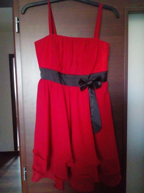 krátke červené šaty, 42