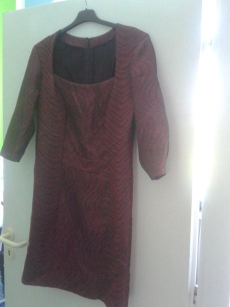 šaty společenské, 44