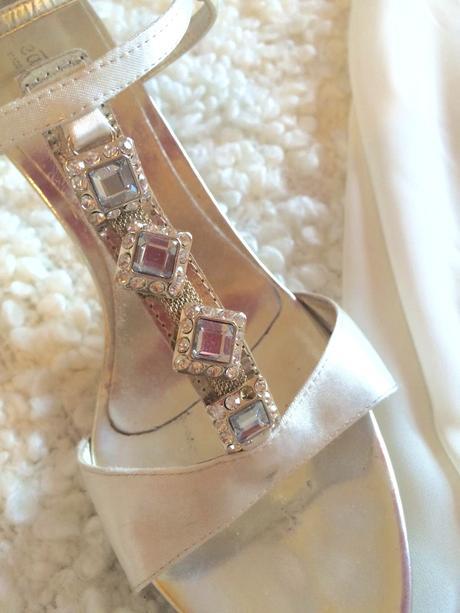 Šaty s topánkami , 36