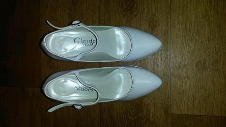 Sněhově bílé boty s vysokým podpadkem, 37
