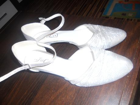 Striebristé topánky, 39