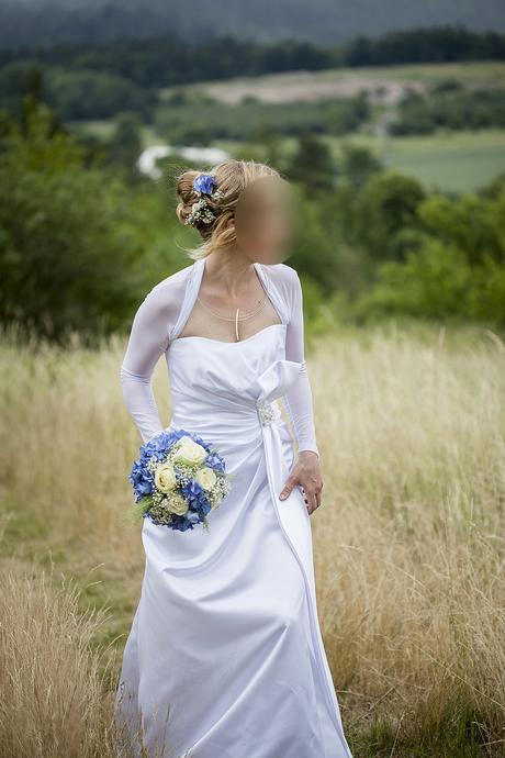 Elegantní jednoduché bílé svatební šaty vel.36-38, 38