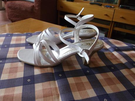 Sandálky, 36