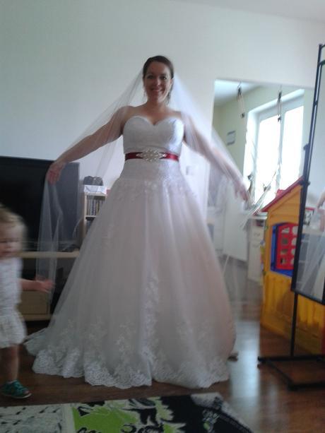 3 kruhová spodnička pod svatební šaty,
