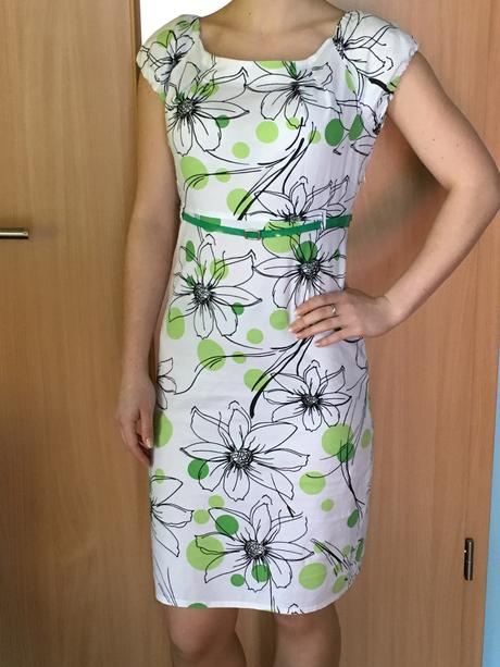 Letné zeleno-biele šaty, 36