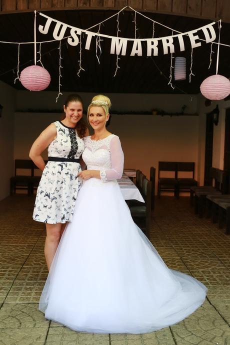 Svatební šaty s dlouhým rukávem a vlečkou , 36