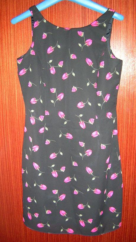 Šaty s kvítky, 36