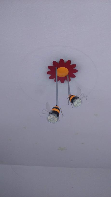 lampa včielky,