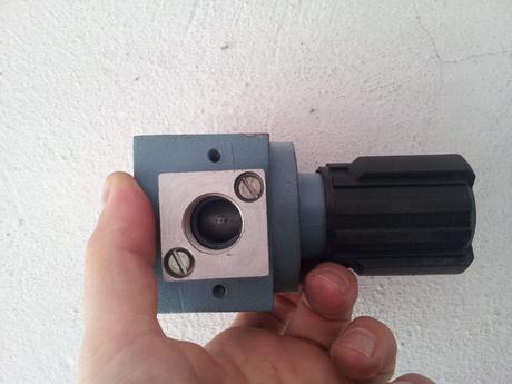 regulačný pneumatický ventil 0-1MPa,