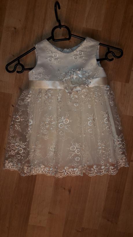Slávnostné šaty, 92