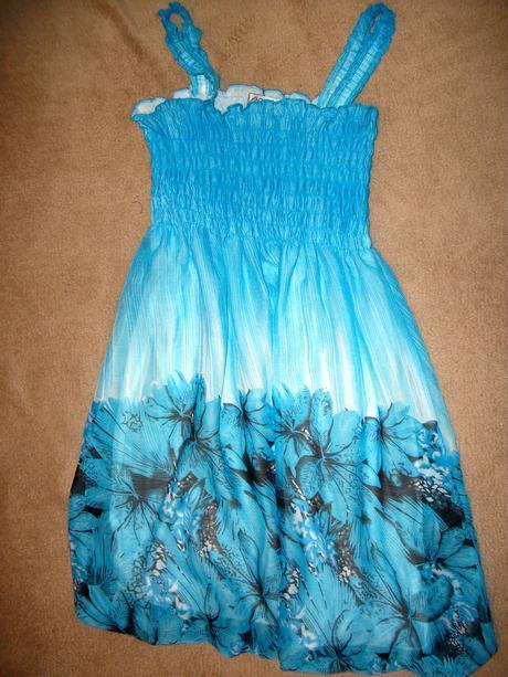 šaty na 9-10 rokov, 134
