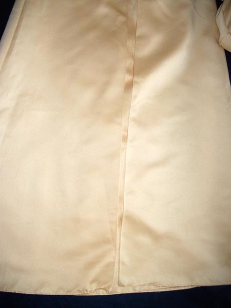 slávnostné šaty, 140