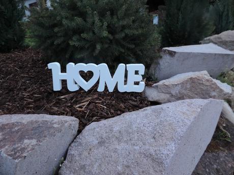 3D nápis HOME,