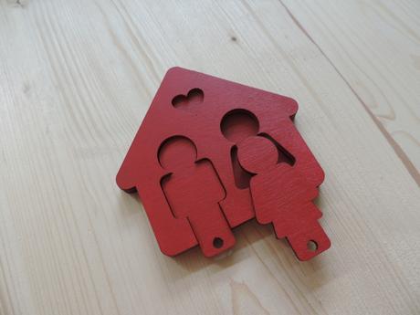 Drevená kľúčenka,