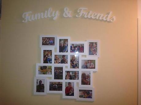 Nápis Family & Friends,