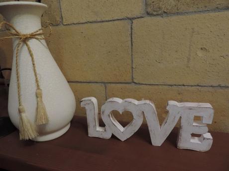 Nápis LOVE,