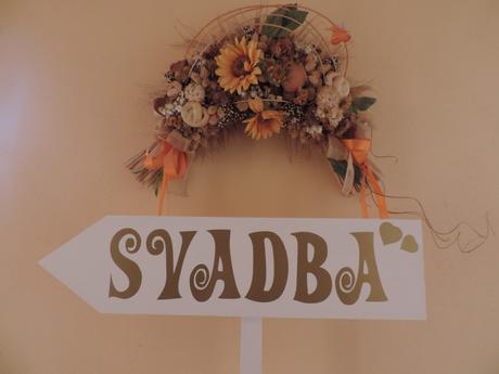 Smerová tabuľa na svadbu,