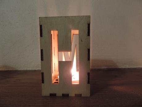 Svietnik drevený,