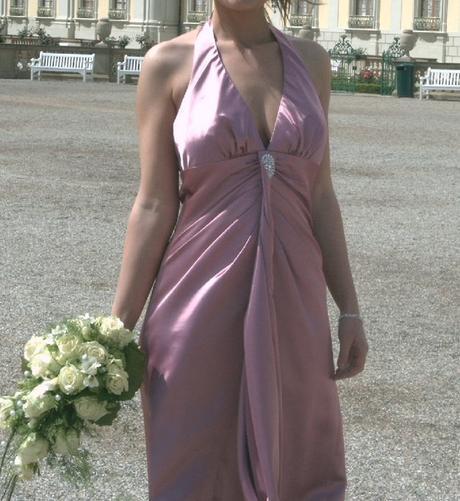 Společenské dlouhé fialové šaty, 36