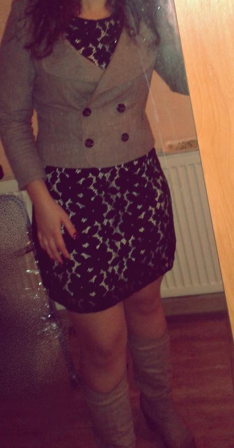 Čierne krátke spoločenské šaty, 42