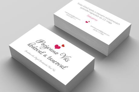 Pozvánky k svadobnému stolu s motívom srdca,