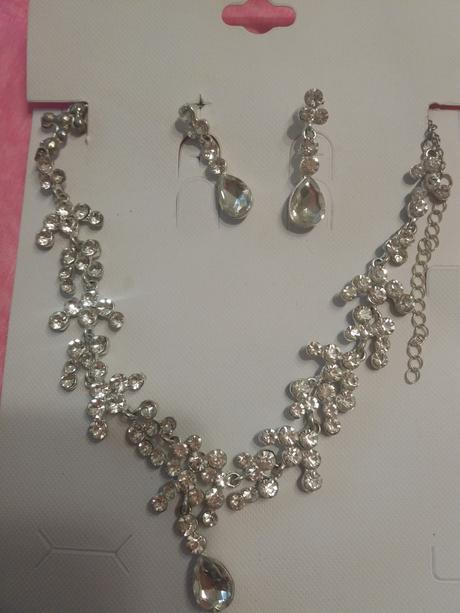 korunka, náušnice, náhrdelník,