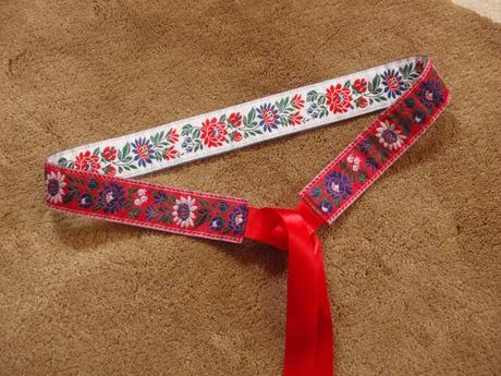 Folklórny opasok červená a biela 3,5cm,