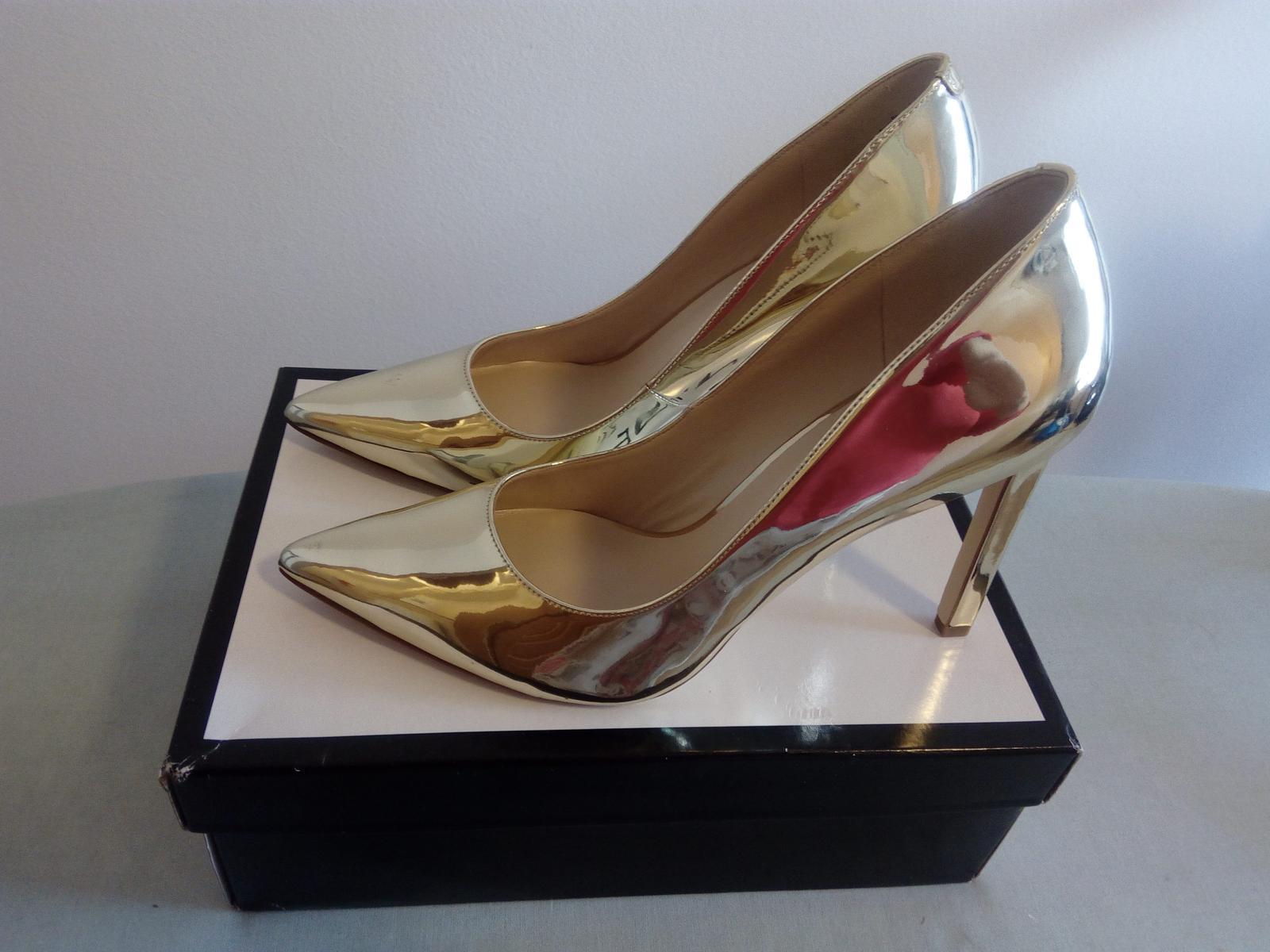 cac2018cea97 Zlaté topánky