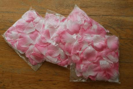 Romantické lupienky ruží - 5 balení - predané,