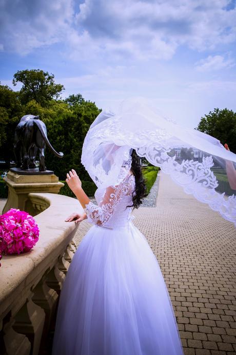 svadobné šaty s kruhom, 38